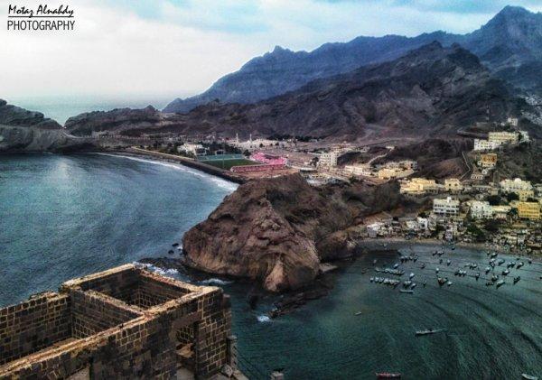 ساحل صيرة وحقات ــ كريتر